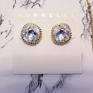 sorrelli clear stone on bright gold post earrings